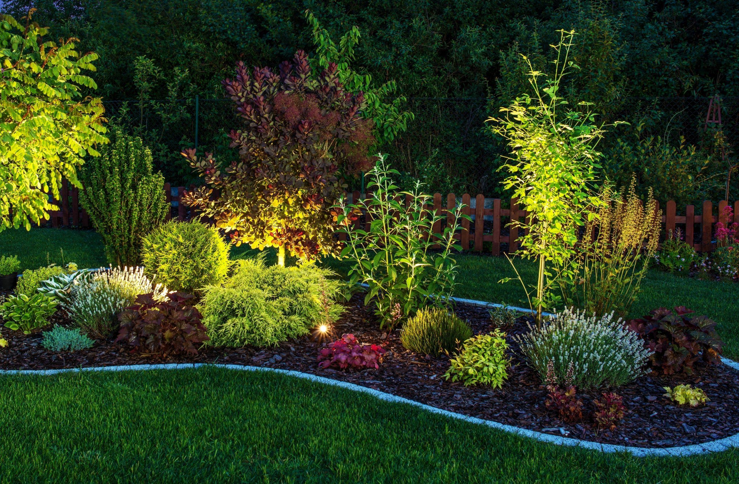 Servicio de abonado de jardines